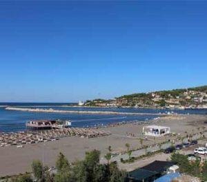 Strand und Hafen von Shengjin